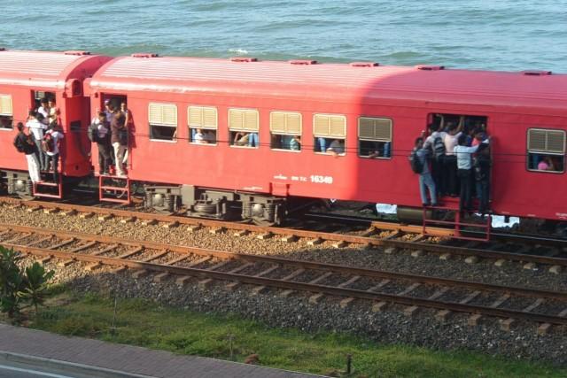 コロンボの通勤ラッシュ