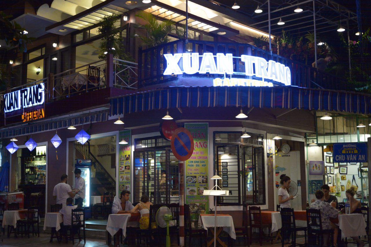 ファングーラオ通りのレストラン-スァンチャン