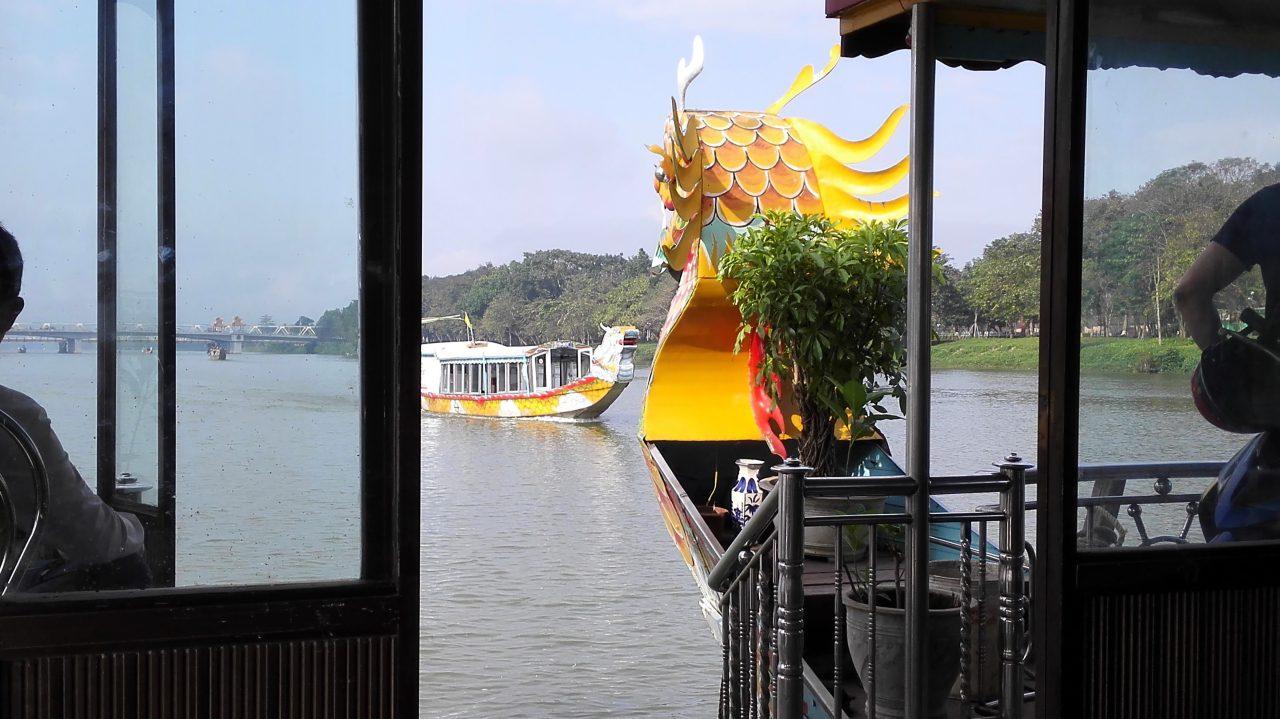 フエのボートツアー-Hue_boat_tour_03