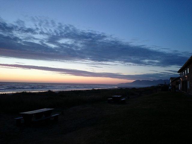 ロッカウェイビーチの夕景-6