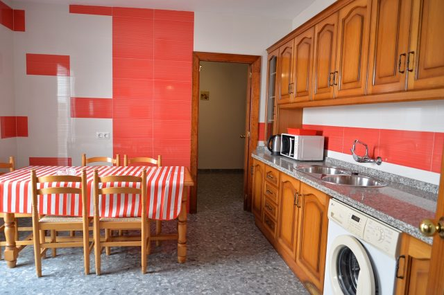 ネルハの短期滞在者向けアパート・キッチン